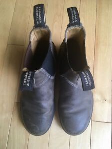 Blundstone boots - like new! Size Aus 4