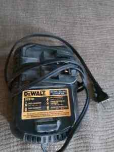 DeWALT 12v/20v max charger dcb101