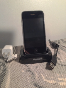 iPhone 3GS 16GB Black - Great for starter phone or iPod!
