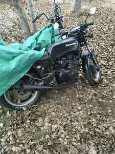 2 project bikes $800 for both