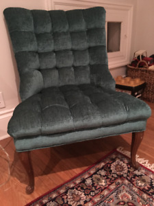 Green Velvet Button Tufted Bedroom Chair