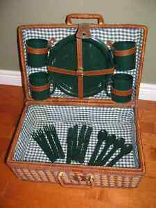 Wicker Picnic Basket Set with Dishes