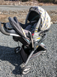 Graco Click Connect - Car Seat + Base + Stroller