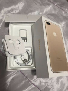 Mint Condition Iphone 7 Plus 128 GB Gold/White Edition Unlocked!