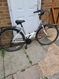Ladies appollo eylse bike only used once excellant condition