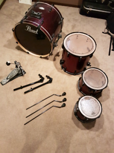 Pearl Vision Series bass drum/assorted toms