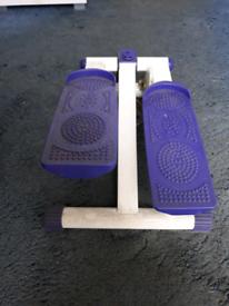 Mini step leg toner