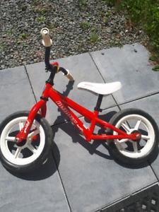 Infinity balance bike