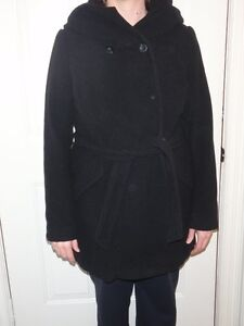 Thyme brand Winter Maternity Coat with hood (basicly new)