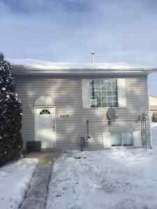 Sylvan Lake end unit w garage move before Feb 1st pet friendly