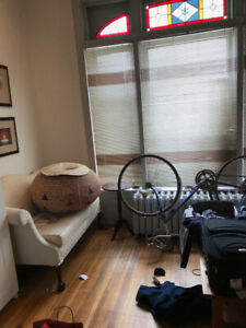 bloor/sherbourne 1bedroom in 3bdr apartment long or short term