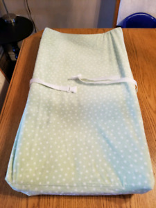 Baby changing pad for dresser/tabletop