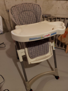 EvenFlo Slide n Serve Simplicity Plus Adjustable High Chair