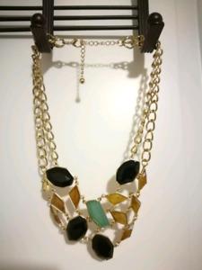 Le chateau necklace $2