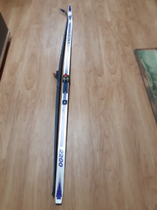 Bonna cross country skis