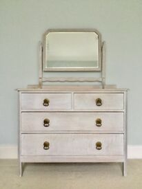 Beautiful wooden dressing table / drawers / dresser