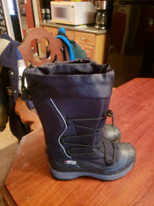 Ladies Baffin Winter Boots for sale