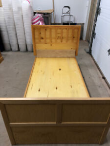 PINE TWIN XL BED