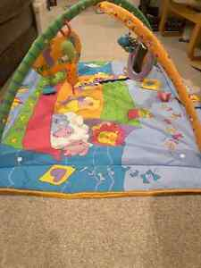 Tummy time mat and jungle gym