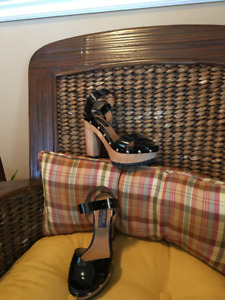 Ladies Shoes size 7.5 to 8 women shoes