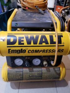 DEWALT D55154 COMPRESSOR