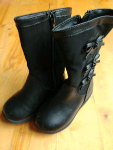 Toddler Black Boots Size 5.5