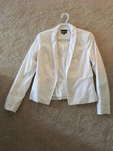 White RW&CO Blazer - Size 8 - Like New