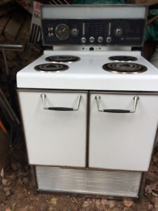 Stove, Vintage (1950's) - Still using today!