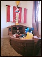 Little tykes pirate bed with bedding and mattress
