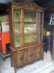 Solid Wood Antique Hutch / China Cabinet