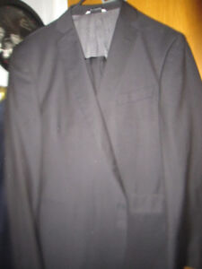 Guy Laroche Paris Suit New