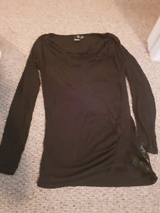 Black BENCH Scoop Neck Shirt size small
