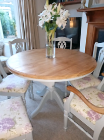 Stunning French Style Dining Table & Chairs