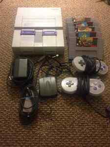Super Nintendo (SNES) with 6 (good) games & 2 controllers