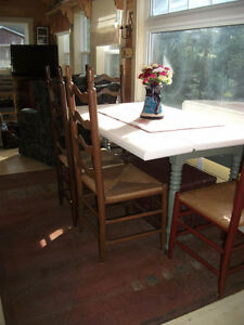 Harvest Table and 4 lovely ladder back chairs...excellent cond!
