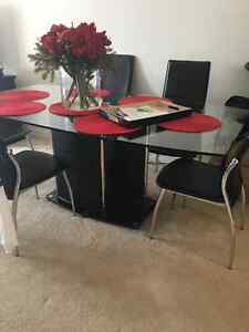 Used dinning Glass table and 6  black chairs Kitchener / Waterloo Kitchener Area image 2