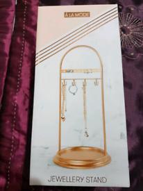 New jewellery stand