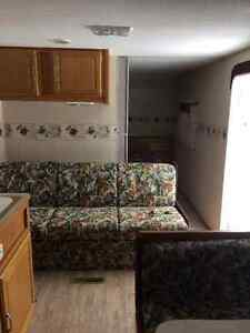 23' Prowler Limited Edition Fleetwood Trailer - Canadian Edition Peterborough Peterborough Area image 3