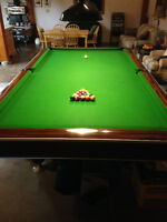 5' X 10' National Snooker/Pool table