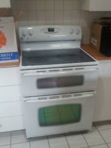 Maytag Smooth Top Ceramic Stove w/ Double Oven- Works Perfectly
