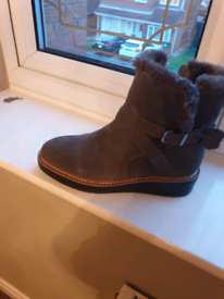 Ladies grey suede boots new 6