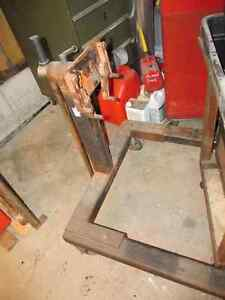 Super heavy duty engine stand