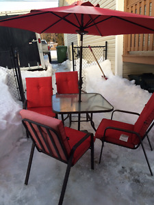 Patio set in good condition
