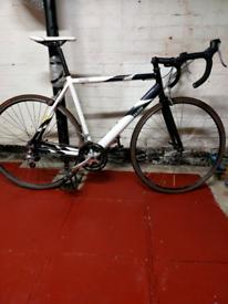 Raleigh R200 Road Bike 56cm