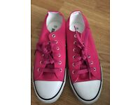 Hot pink converse size 6
