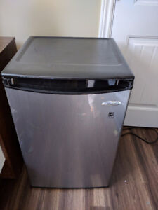 Whirlpool Mini-Fridge