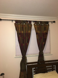 Vertical Blinds/Curtains