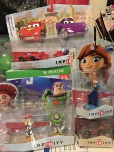 Disney Infinity starter pack Xbox games, 4 boxes