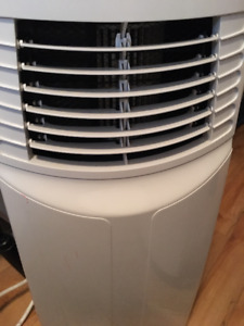 Portable Air conditioner/fan/dehumidifier with remote
