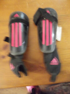 Addidas Soceer shin pads Kawartha Lakes Peterborough Area image 2